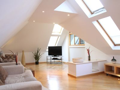 Photo for Spacious 2 BR Penthouse, private roof terrace