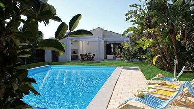 Photo for Lovely villa, private pool and garden, 1000 meters away from the beach