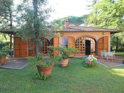 Photo for Holiday Home for 5 People, Garden, 500m till Sea, A/C, WIFI, near Forte dei Marmi