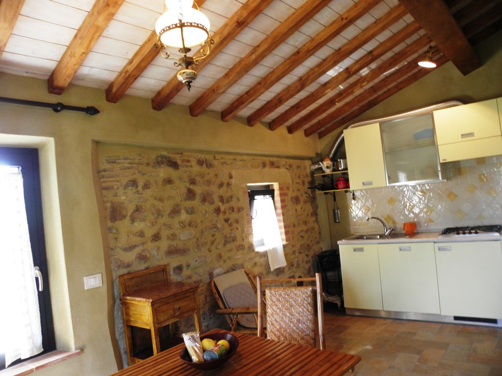 Stone Cottage with garden and hills sea... - HomeAway Massarosa