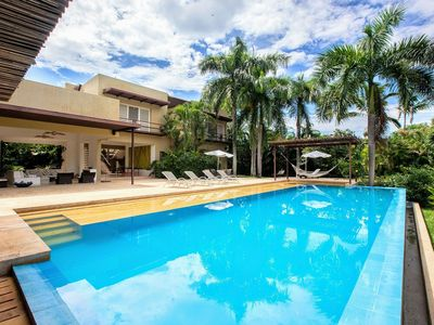 Photo for Anp001 - Exclusive villa with large pool in Anapoima