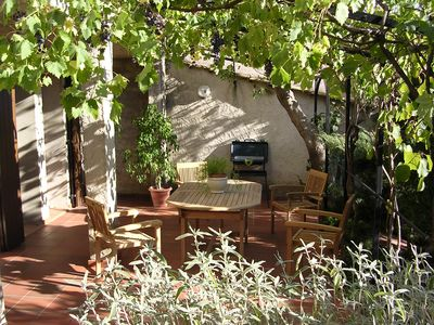 Photo for T2 with terrace, garden and WIFI between Luberon park and Verdon park