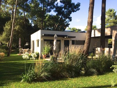 Photo for In the golf of La Palmyre, excluding campsites and subdivisions, 2 steps from the sea,