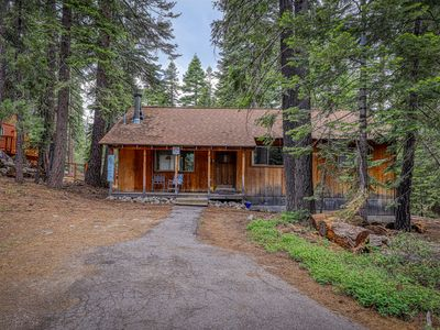 Photo for Cozy family cabin  close to skiing - walk to Lake Tahoe & town!