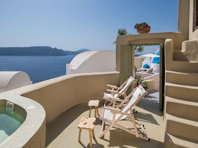 Photo for Spacious renovated cave house, with ocean Caldera view and fully private.