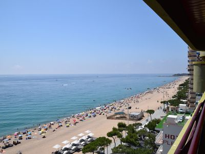 Photo for CAPANEMA, REFORMED APARTMENT IN FRONT OF THE BEACH OVERLOOKING THE BEACH..