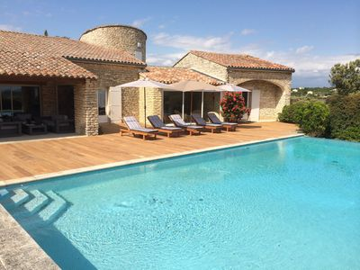 Photo for Provencal villa in Bonnieux
