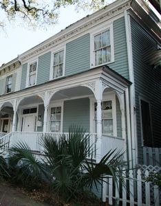 Photo for Archer House /SVR#00660/ Charming Victorian Sleeps 4  / 2.5 Blocks from Forsyth