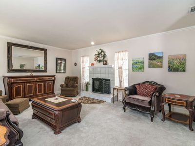 Photo for Hill Country Haven. Just minutes from Lake Travis, Parks, Pool, Boat Launch, Ball & Disc Golf course