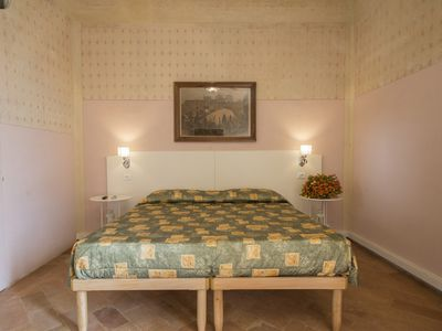 Photo for Double bedroom with balcony in Tuscan Villa