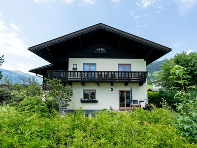 Photo for A grand, ground floor apartment just a stones throw from Kaprun and Zell am See.