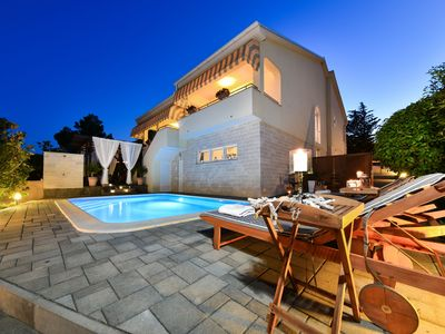 Photo for Villa Bella, 8 people, 3 en suite bedrooms,full  air conditioned, private pool