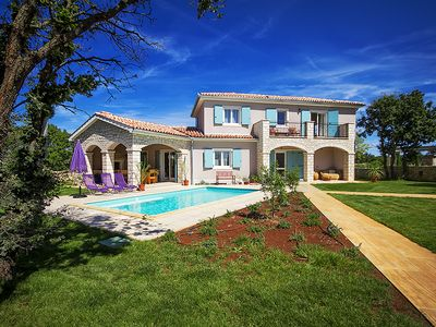 Photo for Splendid Villa In Nature With Pool.