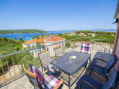 Photo for Apartments Kažimir (45981-A5) - Necujam - island Solta