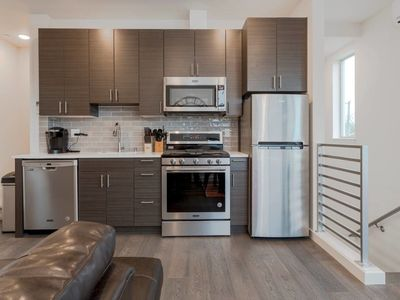 Photo for 2 Masters BR Ultra Modern Seattle Condo! Sleeps 8!