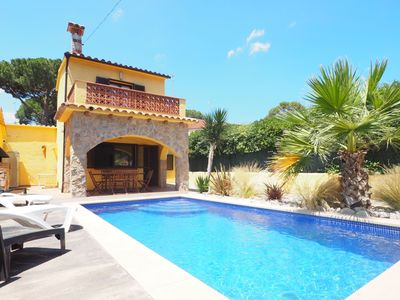 Photo for Nice house with private pool at 600 m.from Montgó beach. Living room with TV (internationa