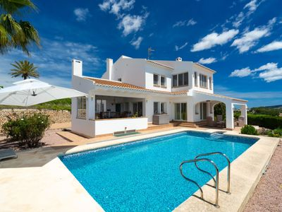 Photo for 4 bedroom Villa, sleeps 8 with Pool, WiFi and Walk to Shops