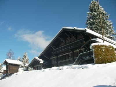 Photo for Charming Ski Chalet right on the main piste back to Barboleuse