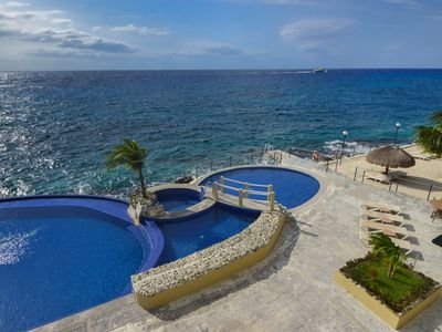 Photo for Luxurious Oceanview Condo in Cozumel