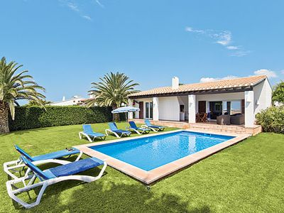 Photo for Secluded villa surrounded by palm trees, close to resort, with Wii and Wi-Fi
