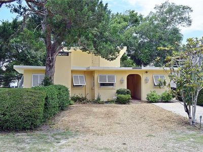 Photo for 3 Bedroom home 75 yards to the Beach with private pool!
