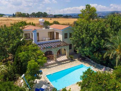 Villa Solon: Large Private Pool, Walk to Beach, Sea Views, A/C, WiFi, Car Not Required, Eco-Friendly