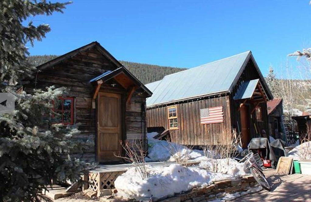 Downtown crested butte miners cabin tiny house crested for Crested butte cabins