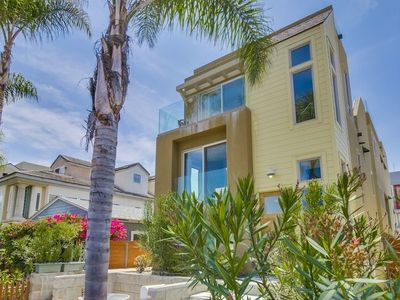 Photo for Beach House w/ Ocean View Roof Top Deck, Private Ground Floor Patio, 2 Parking!