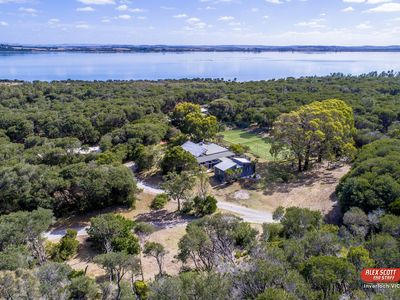 """Photo for """"Melaleuca Retreat"""" large secluded holiday home with tennis court near Venus Bay"""