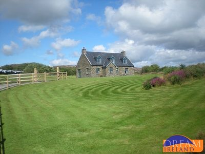 Photo for Delightful 4* stone cottage close to the village of Ballydehob