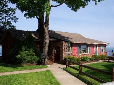 Caledonia cottage sleeps 4-16 and sits right on Lake Erie.