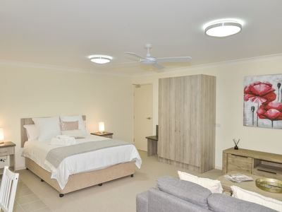 Photo for Comfortable Apartment walking distance to Maleny