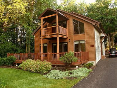 Photo for NIAGARA RIVER CHALET - NEAR NIAGARA FALLS - ON NIAGARA RIVER  Jacuzzi & Hot Tub