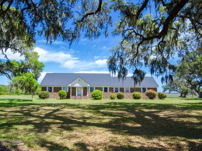 Photo for Historic Charleston Waterfront Plantation Close to Downtown
