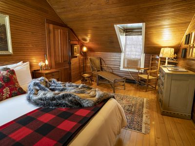 Photo for Luxury King Suite with Breakfast & Happy Hour Included on 7 Acres
