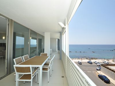 Photo for 2 bedroom Apartment, sleeps 6 with Air Con and FREE WiFi