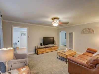 Photo for 2 BD Olympic Training Near Parks A Lake Downtown