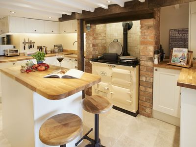 Photo for This lovingly renovated cottage is ideal for a break in the Cotswolds.