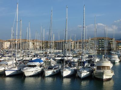 Photo for Exceptional studio overlooking Port Fréjus - Pool / Parking, direct access beach.