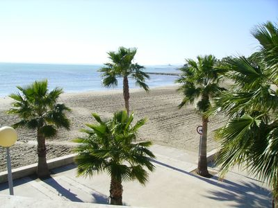 Photo for Very well kept and air conditioned apartment in a quiet area near the beach.