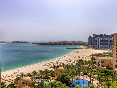 Photo for 1BD in Palm Jumeirah with access to Hotel Facilities !