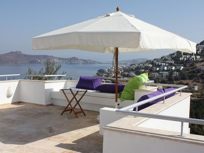 Photo for Modern villa with panorma roof terrasse, high standard, nice pool area. 6-10 pax