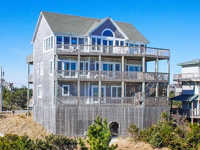 Photo for Vivacious Oceanfront Views w/Cmty Pool, Hot Tub, Game Rm, Netflix, Walk to Beach