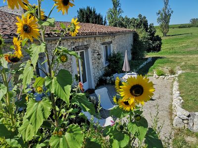 Photo for Charming 2-bedroom Holiday Rental in the French Countryside
