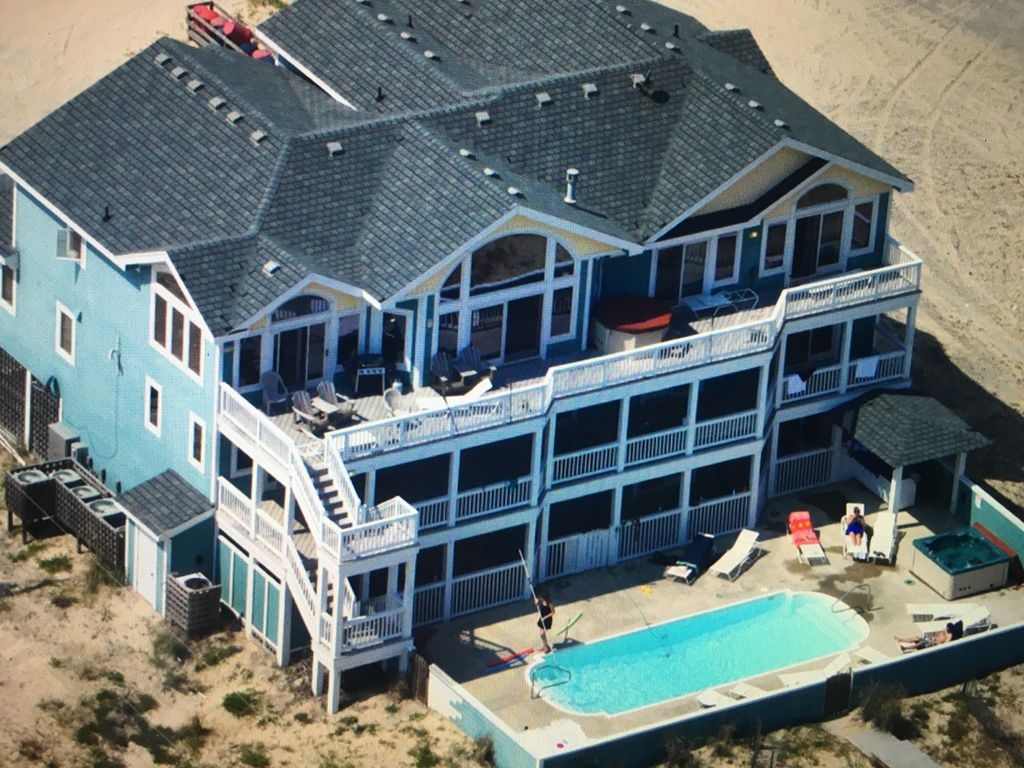 AMAZING 12 BEDROOM OCEANFRONT HOUSE IN 4 WHEEL DRIVE OUTER BANKS ...
