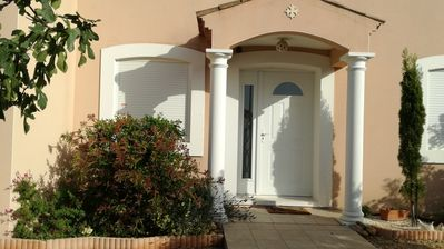 Photo for Superb air-conditioned VILLA, Pool, High standing, beaches 3 km