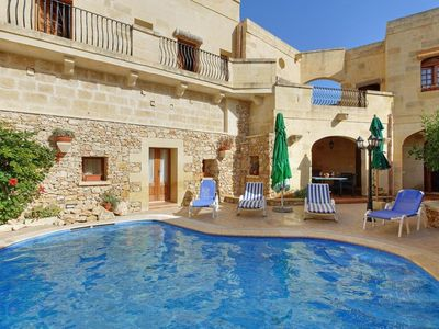 Photo for 4 bedroom Villa, sleeps 7 with Pool and Walk to Shops
