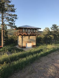 FIRE TOWER CABIN W 360 DEGREE VIEWS