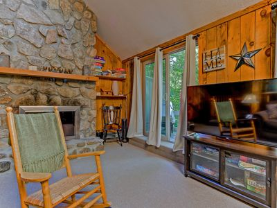 Photo for 4BR Cranmore Birches- Cable, WiFi, Hot Tub on Deck! Near Storyland! AC!
