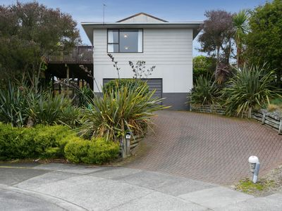 Photo for 4BR House Vacation Rental in Taupo, Waikato